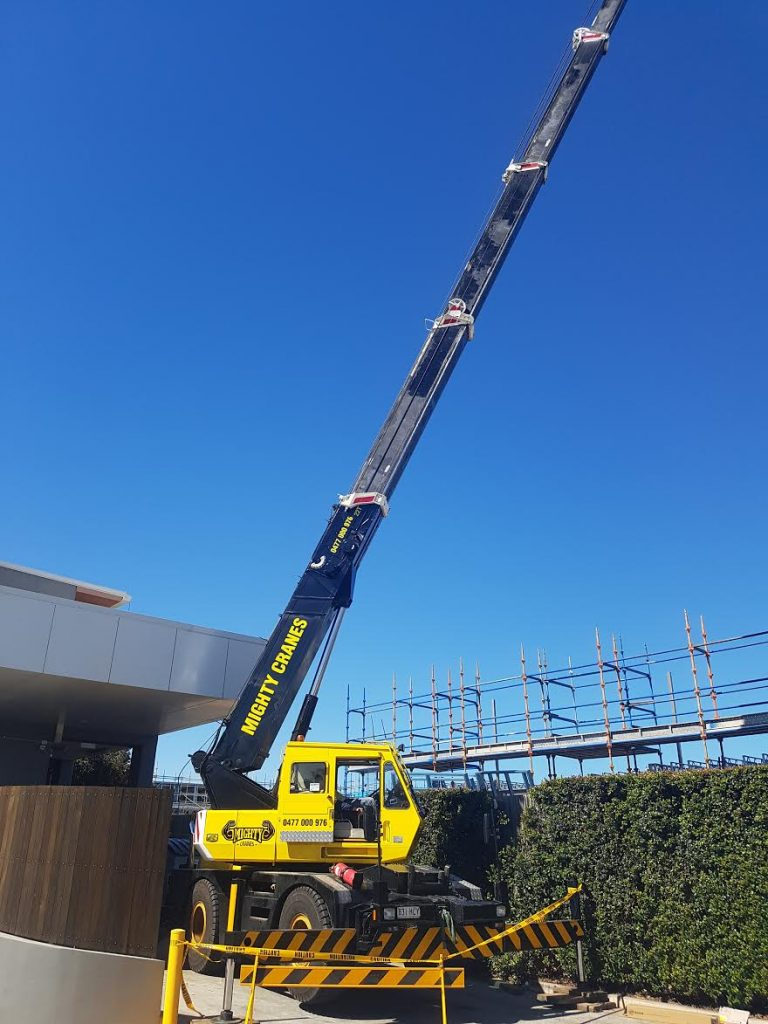 crane hire services brisbane
